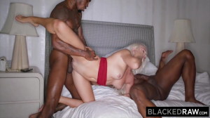Insatiable Elsa Jean Gets Spit-roasted By 2 Bbcs