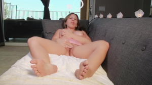 Giantess Threesome With 2 Tinies